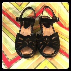 Earth Shoes Black Wedge Sandals